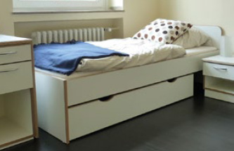 seniorenbetten f r ltere menschen und standbetten medicasa pflegebetten. Black Bedroom Furniture Sets. Home Design Ideas